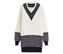 Oversize-Pullover mit Zopfmuster und Streifen