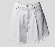 Jeansshorts im Destroyed-Look