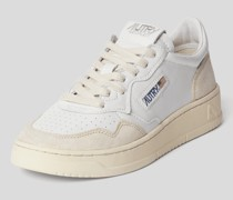 Sneaker mit Label-Patch