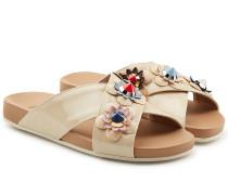 Sandalen aus Lackleder mit Blütenverzierung