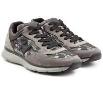 Sneakers aus Veloursleder und Textil