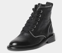 Schuh mit Nieten-Details
