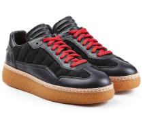 Sneakers aus Leder und Veloursleder