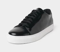 Glänzender Sneaker