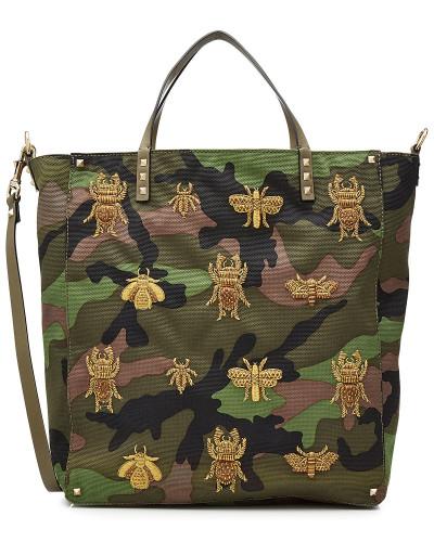 Camouflage-Shopper aus Canvas mit Leder und Stickereien