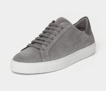 Sneaker im cleanen Design