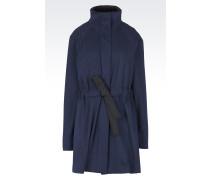 Mantel aus perforiertem Jacquard