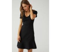 Kleid Aus Garn/viskosemischung Mit Volants