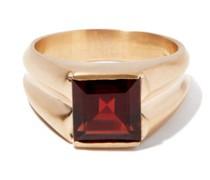 Garnet & 14kt Gold Ring