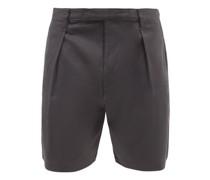 Single-pleat Cotton-twill Shorts