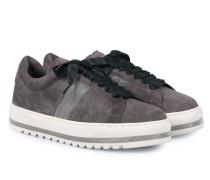 Wildleder-Sneakers mit Schmuck-Detail Grey
