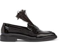 Loafers aus Lackleder mit Federbesatz
