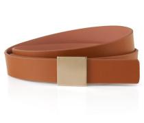 Gürtel aus Leder mit quadratischer, goldfarbener Schließe