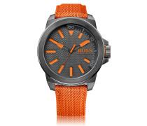 Uhr aus Edelstahl mit drei Zeigern und Textilarmband