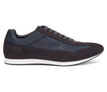 Ledersneakers mit Schnürung und strukturierten Einsätzen