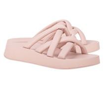 Flache Leder-Sandale mit überkreuzten Riemen
