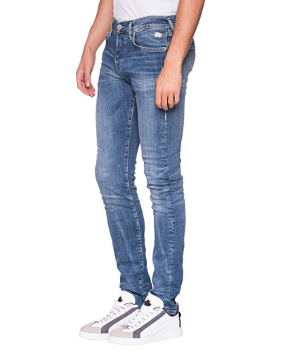Relaxed Slim-Fit Jeans