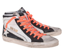 High-Top Sneaker mit farbigen Schnürsenkeln