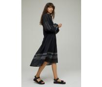 Besticktes Kleid aus Baumwoll Voile