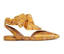 + Johanna Ortiz Vera Flache Schuhe mit Spitzer Kappe aus Crêpe De Chine und Seidensatin mit Print