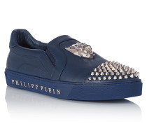 "Slip On ""Stealing kisses"""