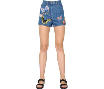 SHORTS AUS STRETCHDENIM MIT SCHMETTERLING-PATCHES
