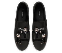 SLIP-ON-SNEAKERS AUS LEDER MIT DESIGNERPATCH
