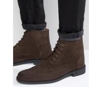 Stiefel aus braunem Wildleder im Budapester Stil Braun