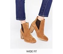 ESME Chelsea-Ankle Boots aus Wildleder mit weitem Schnittt Braun