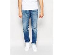 Schmale Jeans in verwaschenem Hellblau Blau