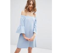 Schulterfreies Kleid mit Flötenärmeln Blau