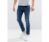 Schmal geschnittene Stretch-Jeans in mittelblauer Waschung Blau