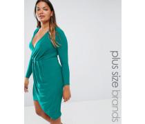Plus Figurbetontes Kleid mit Vorderseite in Wickeloptik Grün