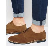 Derby-Schuhe aus hellbraunem Wildleder mit farbiger Sohle Bronze