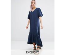 Kleid mit V-Ausschnitt und Rüschchensaum Marineblau