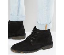 Chukka-Stiefel aus schwarzem Wildleder mit tarngemusterter Sohle Schwarz