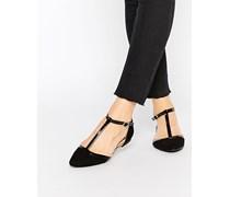 Spitze Schuhe mit T-Steg Schwarz