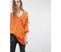 Luxuriöser Oversize-Pullover mit V-Ausschnitt in flauschigem Strick Orange