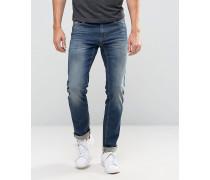 Schmale Jeans in mittlerer Waschung Blau