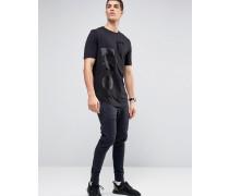 Lang geschnittenes T-Shirt mit abstraktem Seidenaufnäher Schwarz