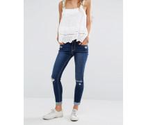 Knöchellange Jeans mit hohem Bund und Fransensaum Blau