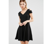 Bardot-Skaterkleid mit Schulter-Cutout Schwarz