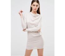 Pulloverkleid in drapiertem Design mit Schlitz am Ärmel Beige