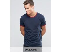 Ringer Regulär geschnittenes T-Shirt in exklusivem Marineblau Marineblau