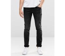 Cirrus Eng geschnittene Stretch-Jeans in verwaschenem Schwarz Schwarz