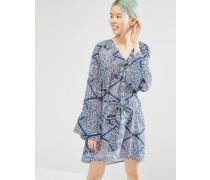 Boho Kleid mit Flügelärmel und Kachelprint Mehrfarbig