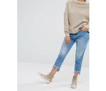 Jeans mit Flicken und Fransensaum Blau