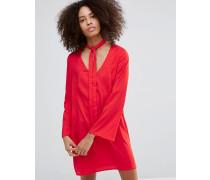Langes, ausgestelltes Neckholder-Kleid Rot