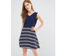 Kleid mit Schnürung hinten und Rock mit Kontraststreifen Marineblau