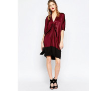 Rotes Kleid mit Drapierung vorne Rot